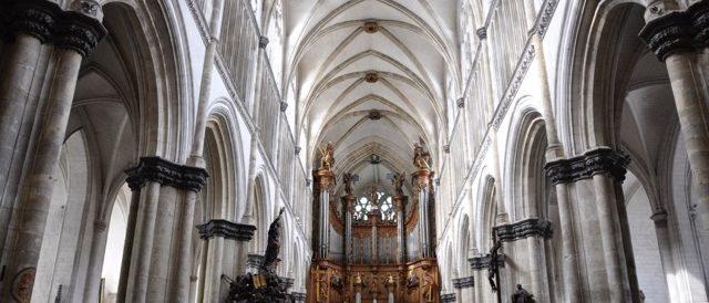 Nef de la cathédrale de St Omer